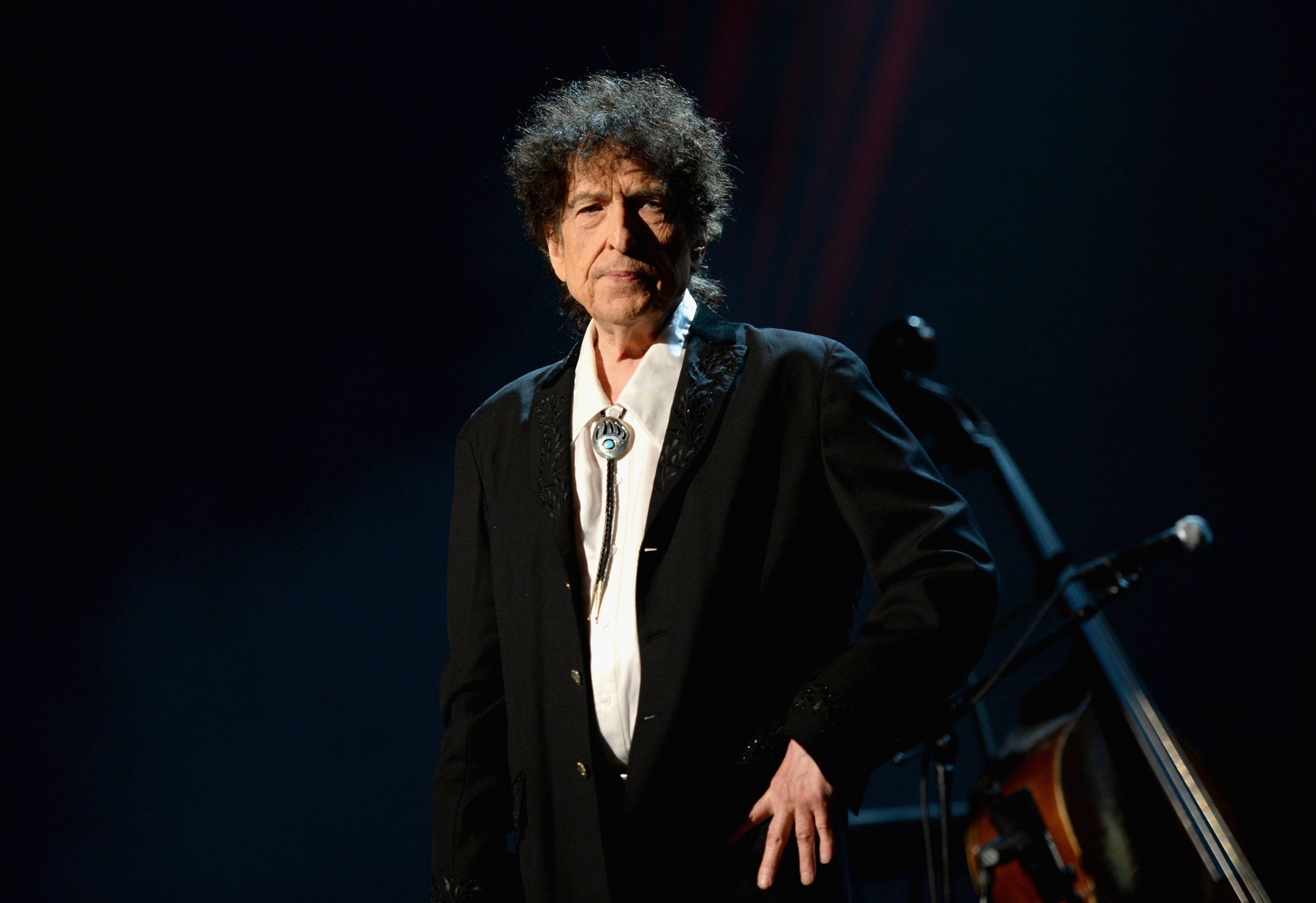 Bob Dylan says he is 'lonesome' since friends such as Leonard Cohen and Muhammad Ali died