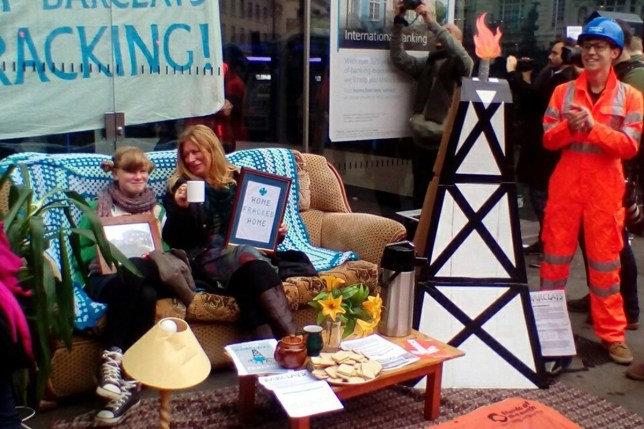 anti-fracking protest.jpg This is Britain's most sophisticated protest https://twitter.com/JollyJourno?lang=en