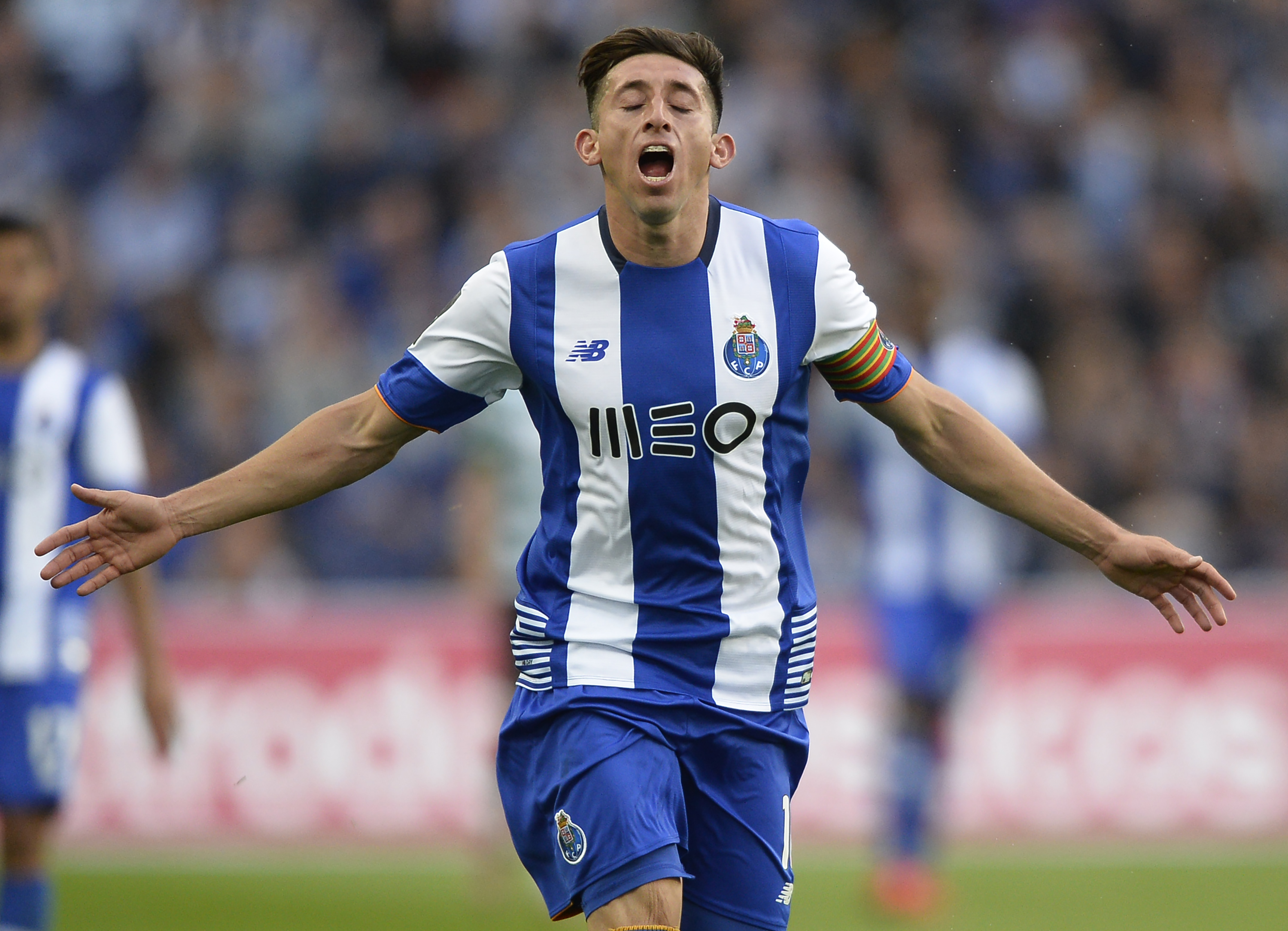 Liverpool transfer news: Reds continue to monitor Porto midfielder Hector Hererra