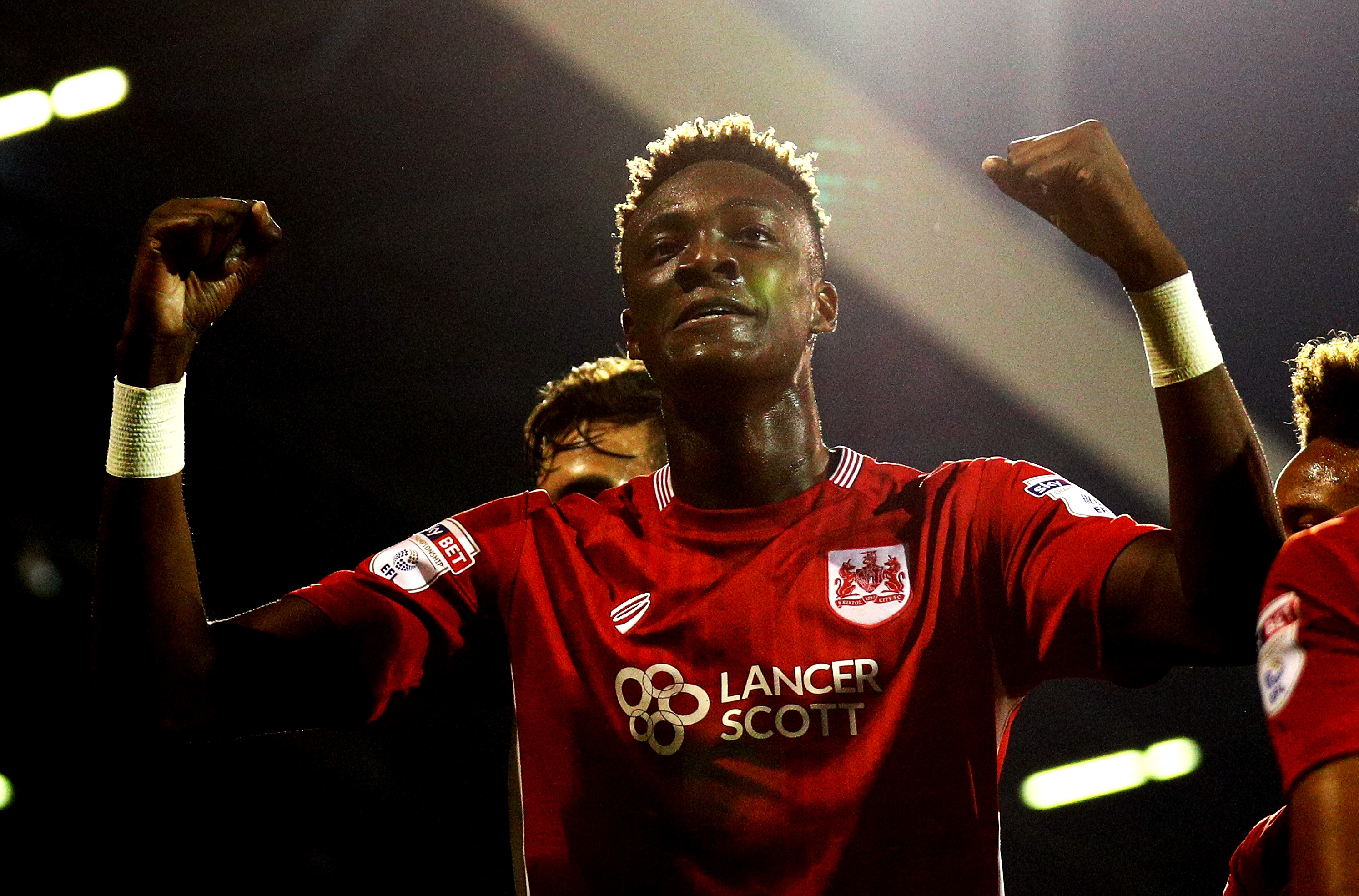 LONDON, ENGLAND - SEPTEMBER 21: Tammy Abraham of Bristol City celebrates scoring his sides second goal during the EFL Cup Third Round match between Fulham and Bristol City at Craven Cottage on September 21, 2016 in London, England. (Photo by Paul Gilham/Getty Images)