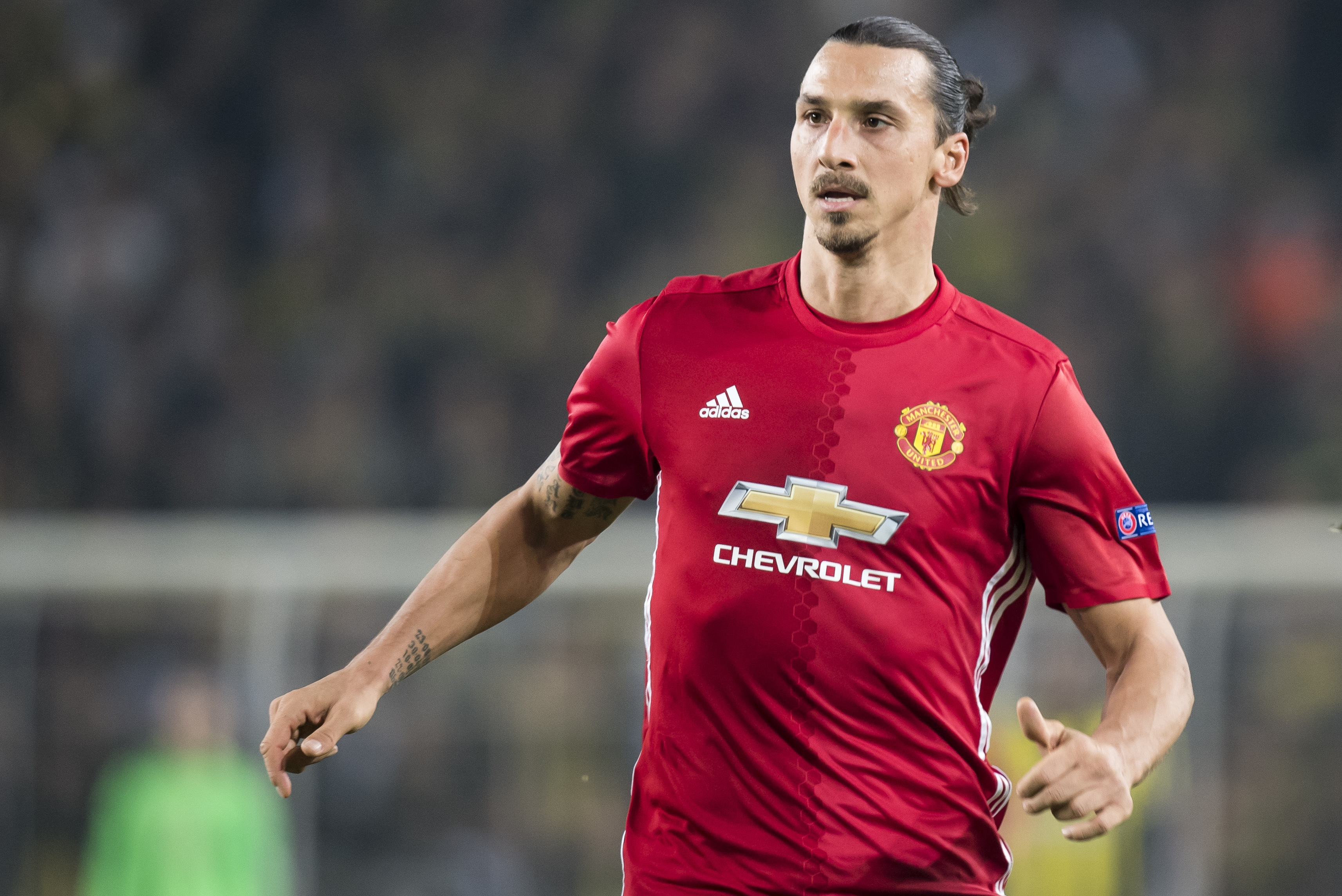 Manchester United's Zlatan Ibrahimovic to be offered LA Galaxy transfer