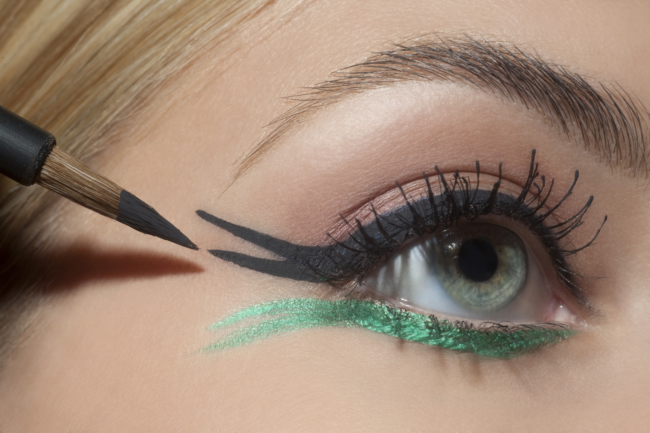 9 ways to get creative with eyeliner