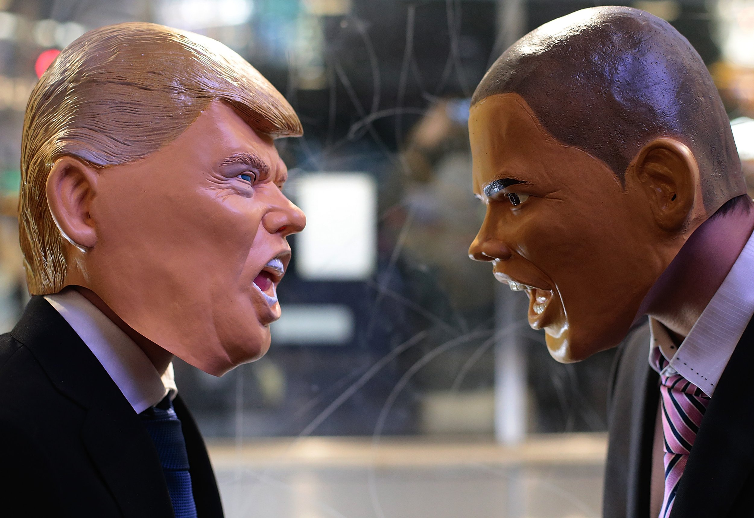 Donald Trump and Barack Obama set for awkward White House meeting