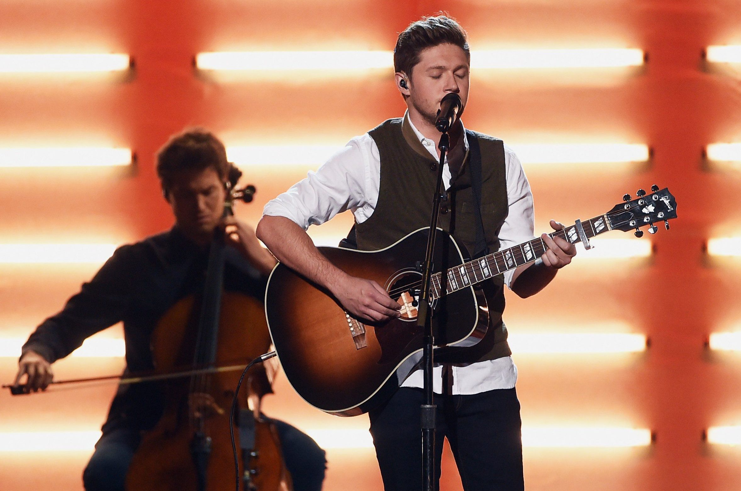Niall Horan teases fans over new video for This Town, fans lose it in suitable fashion