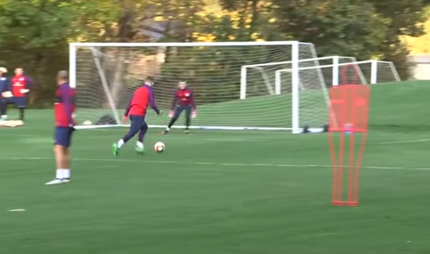 Arsenal star Theo Walcott scores outrageous chip from Jack Wilshere assist in England training