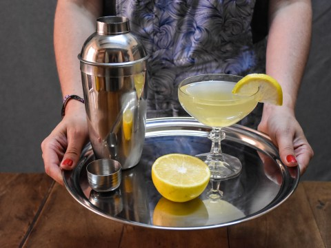 Christmas cocktail recipe video: Citrus prosecco sparkler