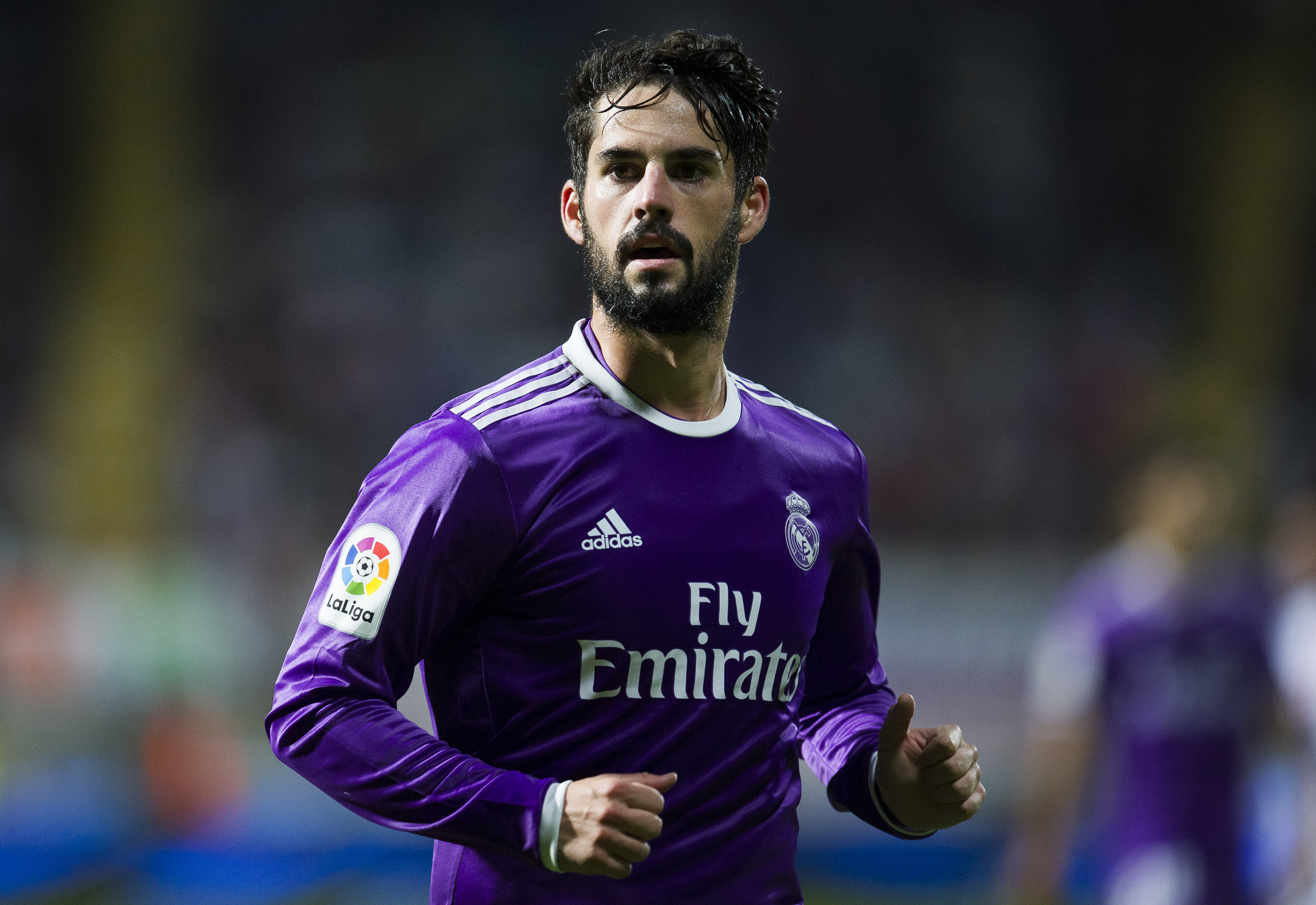 LEON, SPAIN - OCTOBER 26: Isco of Real Madrid reacts during the Copa del Rey Round of 32 match between Cultural Leonesa and Real Madrid CF at Reino de Leon Stadium on October 26, 2016 in Leon, Spain. (Photo by Juan Manuel Serrano Arce/Getty Images)