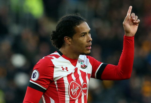 HULL, ENGLAND - NOVEMBER 06: Virgil Van Dijk of Southampton during the Premier League match between Hull City and Southampton at KC Stadium on November 6, 2016 in Hull, England. (Photo by Nigel Roddis/Getty Images)