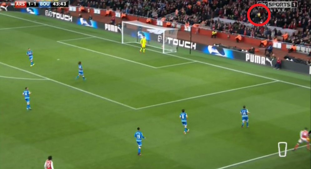 Theo Walcott sums up Arsenal's first-half with worst shot in club's 130-year history