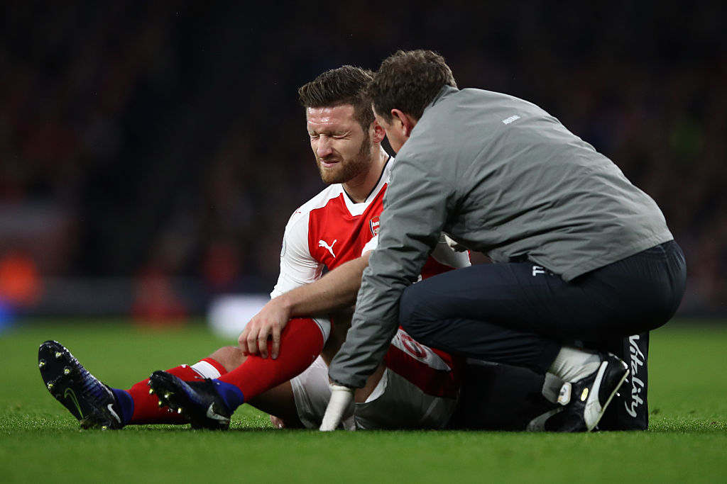 Arsenal star Shkodran Mustafi forced off with injury against Stoke City