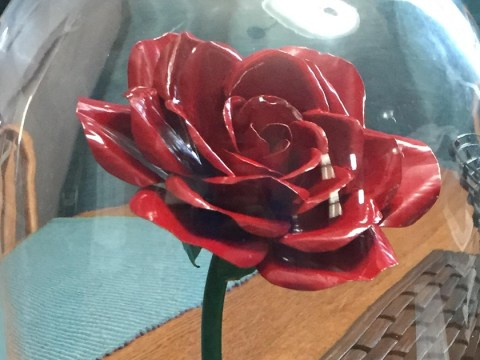 How to make a magical enchanted rose for your New Year's crush