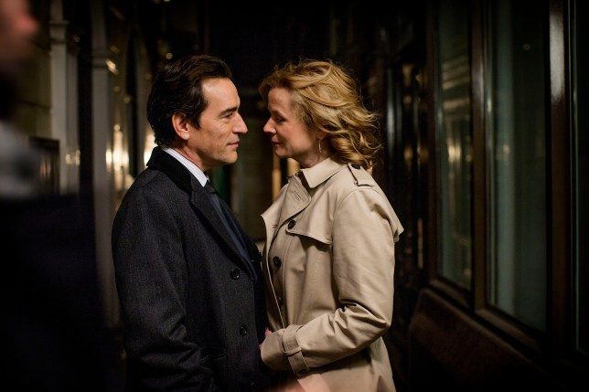 WARNING: Embargoed for publication until 00:00:01 on 23/09/2016 - Programme Name: Apple Tree Yard - TX: n/a - Episode: Apple Tree Yard - early release (No. n/a) - Picture Shows: (L-R) Costley (BEN CHAPLIN), Yvonne Carmichael (EMILY WATSON) - (C) Kudos - Photographer: Nick Briggs