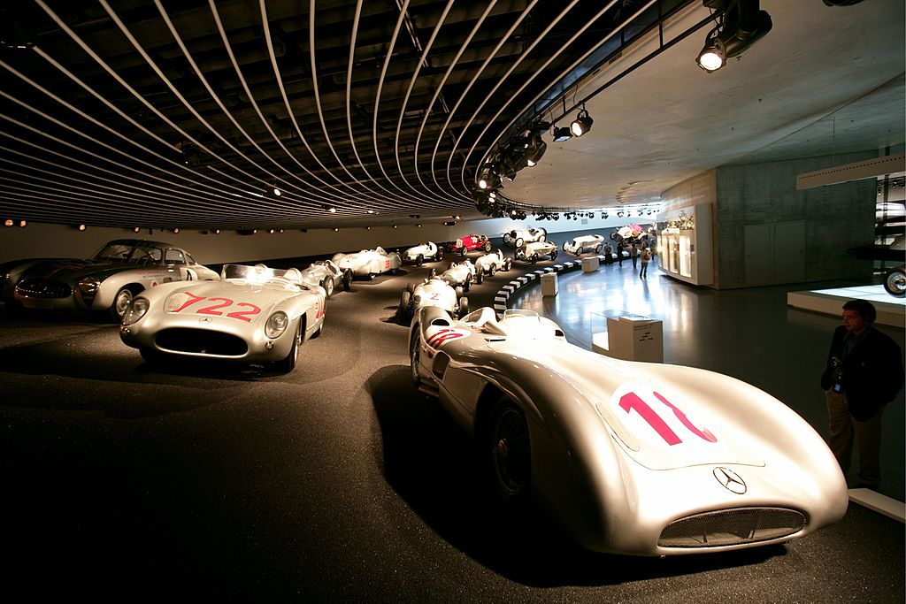Mercedes Benz Museum: Silberpfeile (historical racing cars)