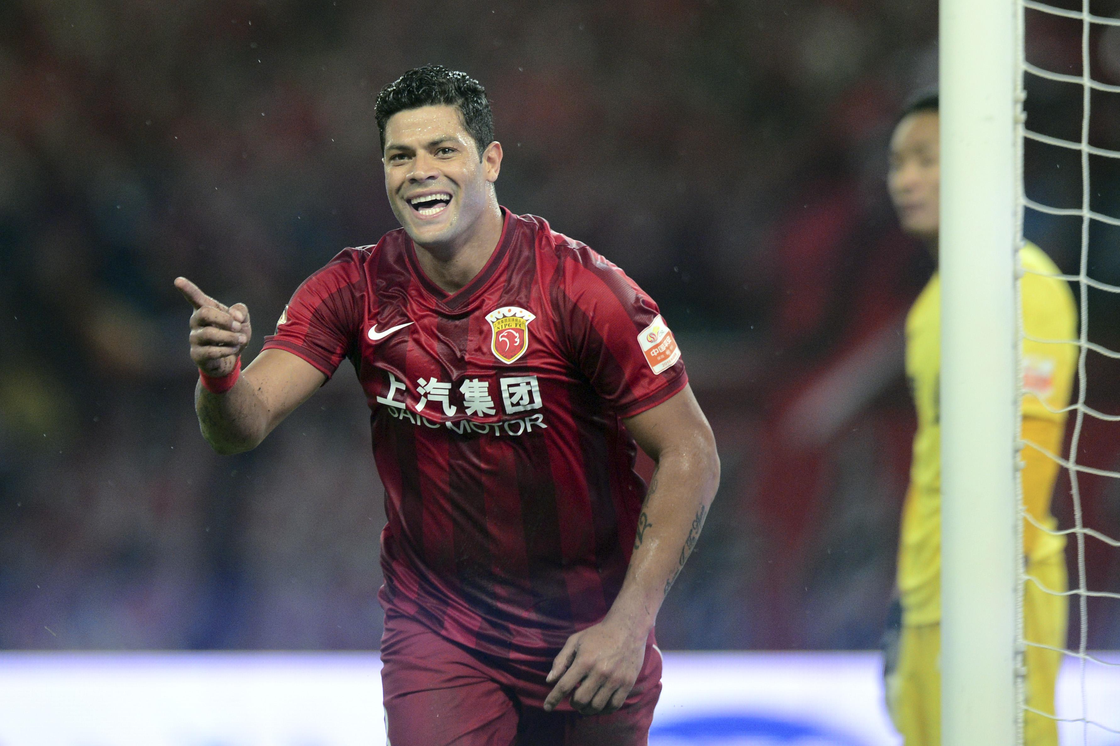 Hulk reveals Premier League offer after talking up Arsenal transfer