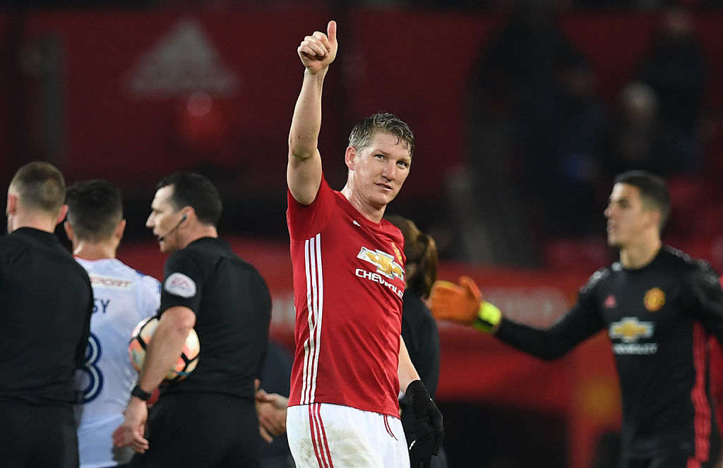 Manchester United fans send Jose Mourinho clear message over Bastian Schweinsteiger