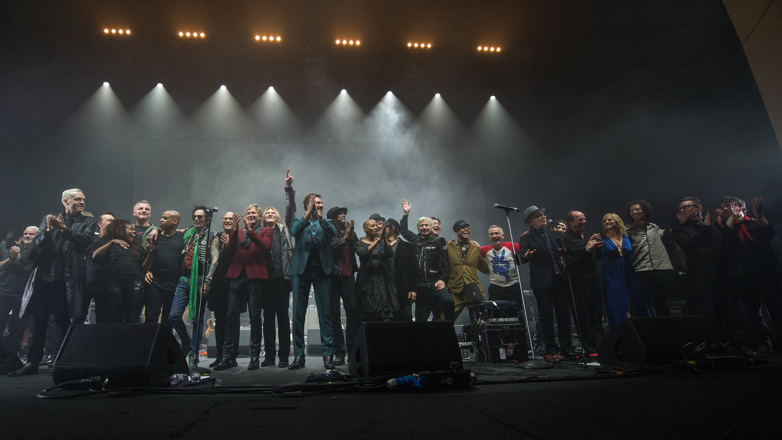 LONDON, ENGLAND - JANUARY 08:(EXCLUSIVE COVERAGE) The Performers close the show at a special concert Celebrating David Bowie With Gary Oldman & Friends on what wold have been Bowie's 70th birthday at O2 Academy Brixton on January 8, 2017 in London, England. (Photo by Brian Rasic/WireImage)