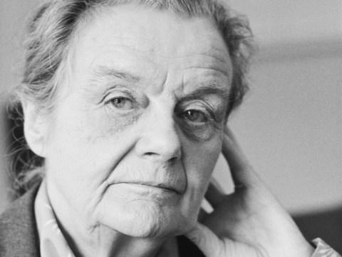 Journalist who broke news that World War II had started dies aged 105