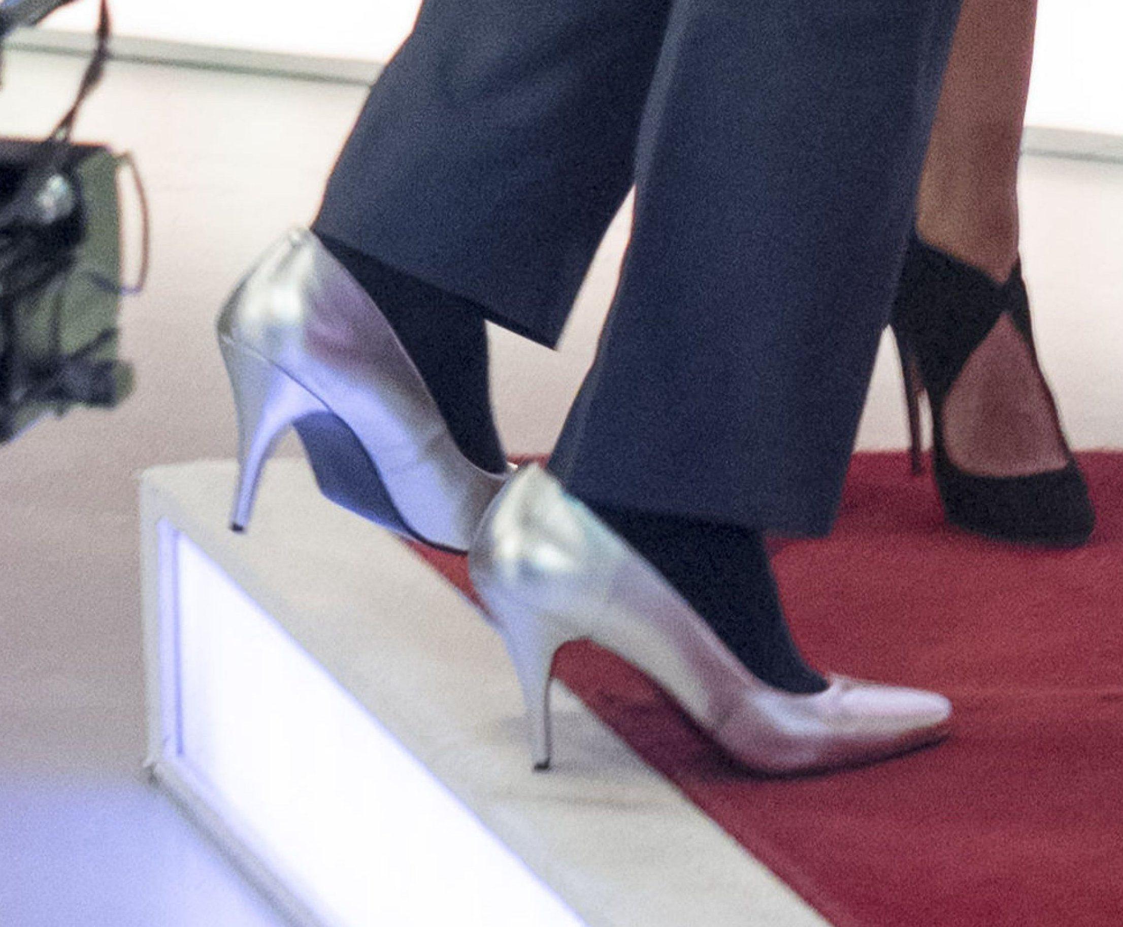 EDITORIAL USE ONLY. NO MERCHANDISING Mandatory Credit: Photo by Ken McKay/ITV/REX/Shutterstock (8154776ae) Piers Morgan wearing high heels 'Loose Women' TV show, London, UK - 30 Jan 2017