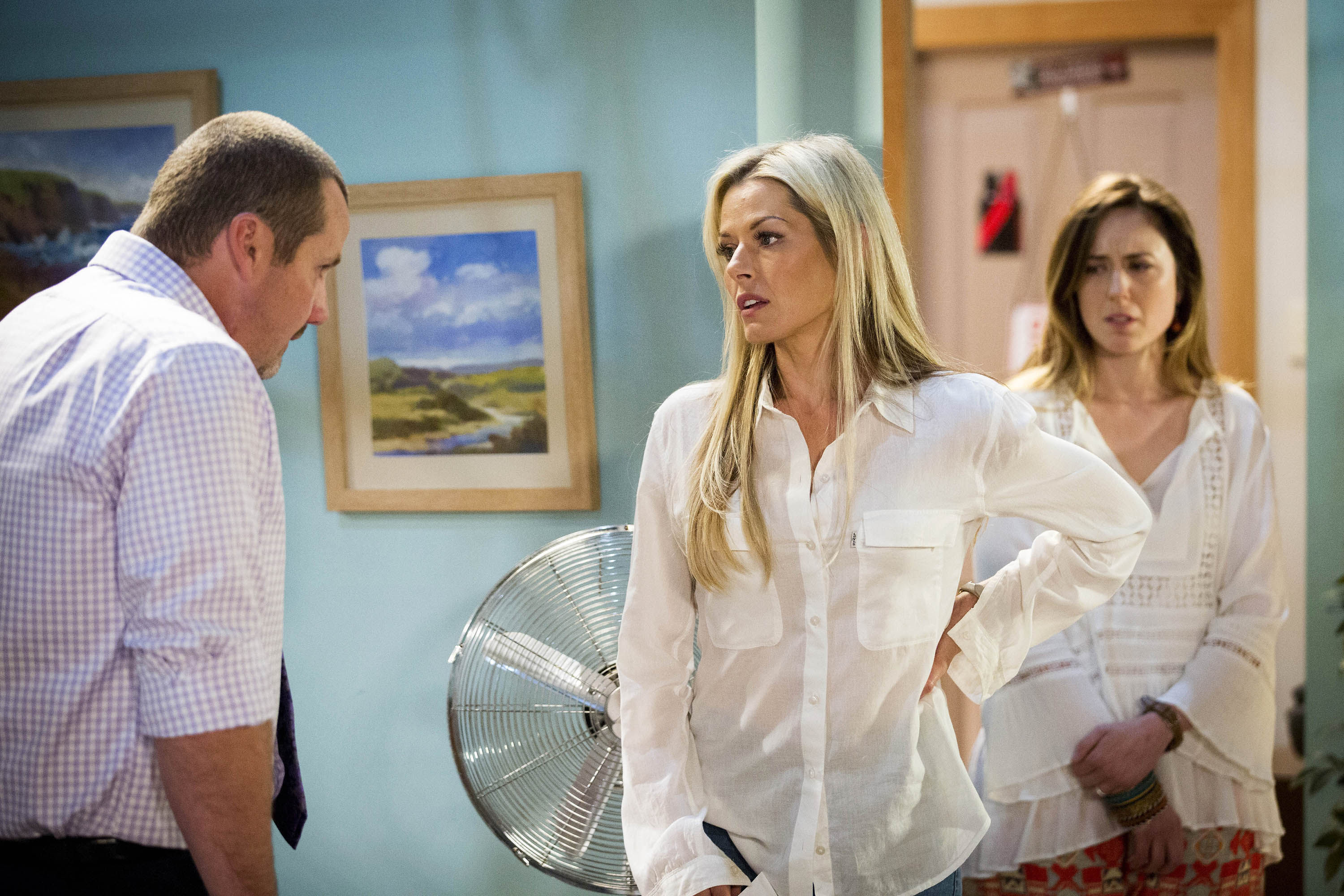EMBARGO 16th January 2017 - Neighbours Ep 7521 - Dee returns