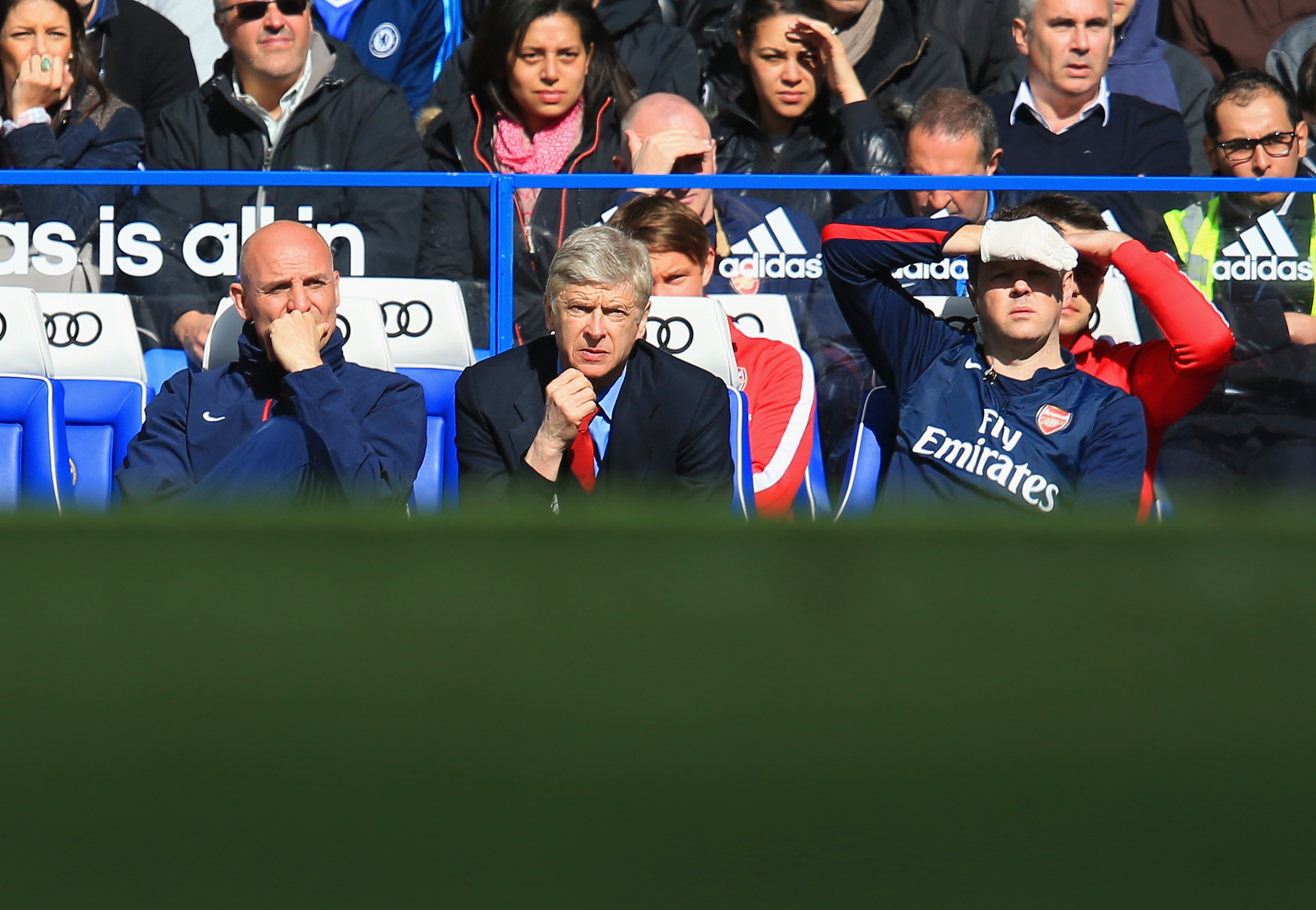 LONDON, ENGLAND - MARCH 22:  Arsene Wenger manager of Arsenal looks on during the Barclays Premier League match between Chelsea and Arsenal at Stamford Bridge on March 22, 2014 in London, England.  (Photo by Richard Heathcote/Getty Images)