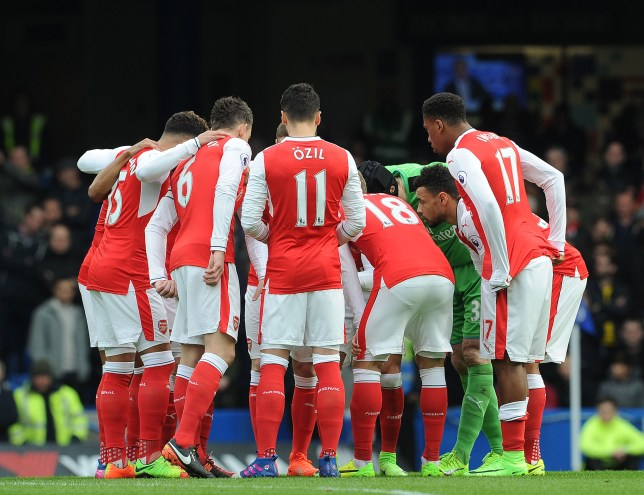LONDON, ENGLAND - FEBRUARY 04: The Arsenal players in a huddle before the Premier League match between Chelsea and Arsenal at Stamford Bridge on February 4, 2017 in London, England. (Photo by David Price/Arsenal FC via Getty Images)