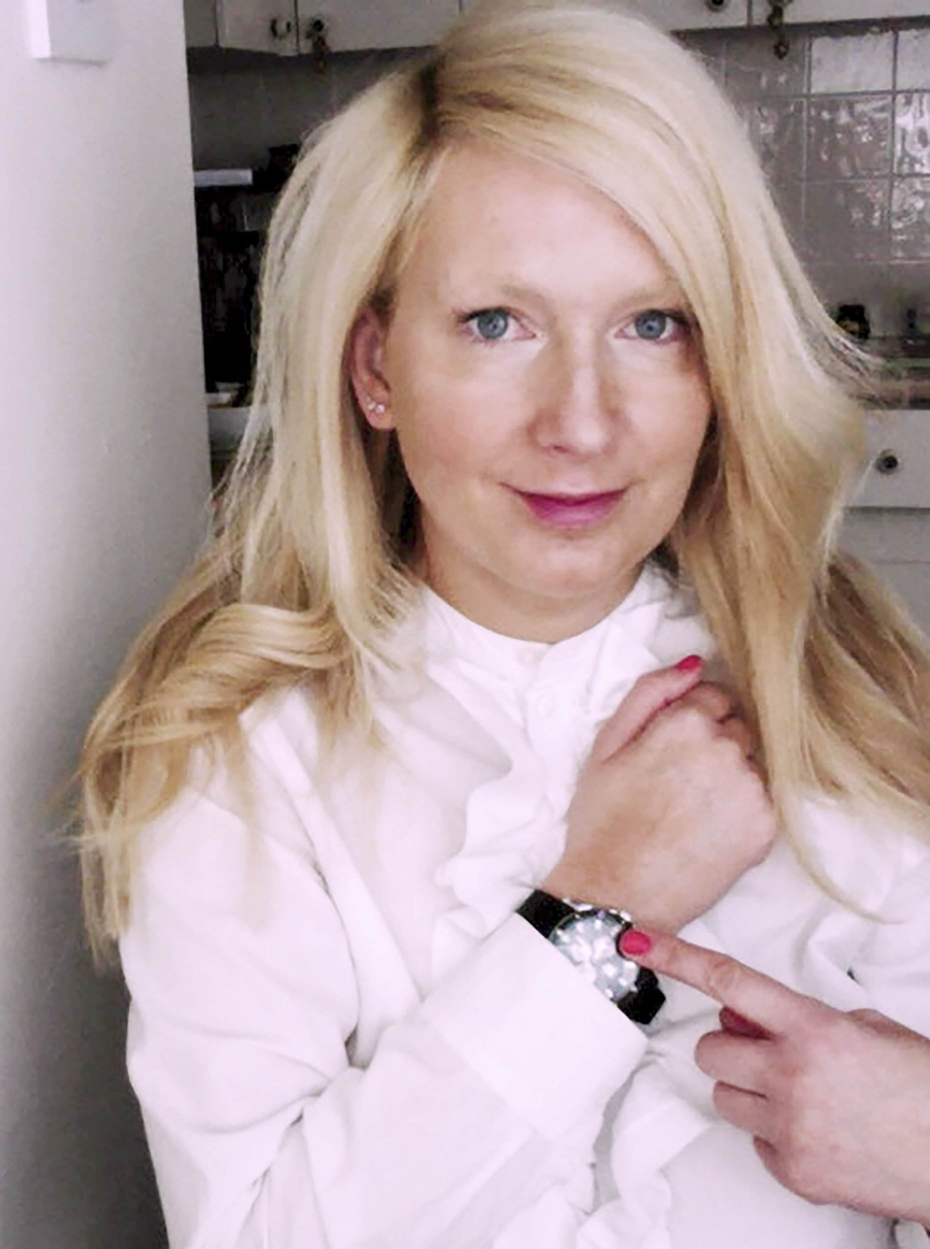 PIC FROM MERCURY PRESS (PICTURED: LUCY BROWN, 38 WEARING HER DATE'S Ä20 WATCH ) A ëcareer girlí was left stunned after ditching a man following just one date ñ when he replied with is bank details and demanded she refund him the cash he spent on drinks. Lucy Brown, 38, from London, was only on her second date after joining the dating apps Plenty of Fish and Tinder when her three-year long relationship ended just before Christmas. Despite the date at a Clapham pub going well and Lucy thinking he was ënormal and sweetí, she texted him to let him know she wasnít interested in meeting up a second time. However she was left in disbelief when the man replied to say he was ëdevastatedí and asked for a ëcontribution for the drinks I spent on youí ñ finishing the message with his account number and sort code. After she had ended up taking his watch home by mistake, the mystery man even informed her it was worth Ä20 but told he not to post it back because 'it'd be too painful to receive the watch in the post and remind me of you'. Lucyís hilarious reply informed the man that she had paid him his £42.50 back and donated the same amount again to a donkey sanctuary, claiming she had never laughed so hard. SEE MERCURY COPY