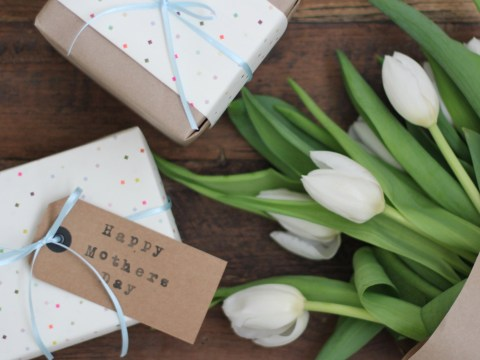 Mothering Sunday 2017: 5 poems and quotes to write inside a Mother's Day card