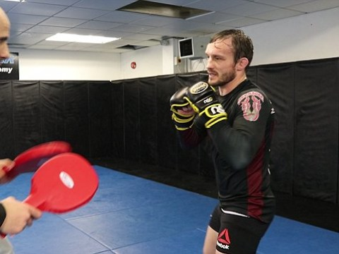 UFC star Brad Pickett shows how to throw the perfect knockout punch – VIDEO