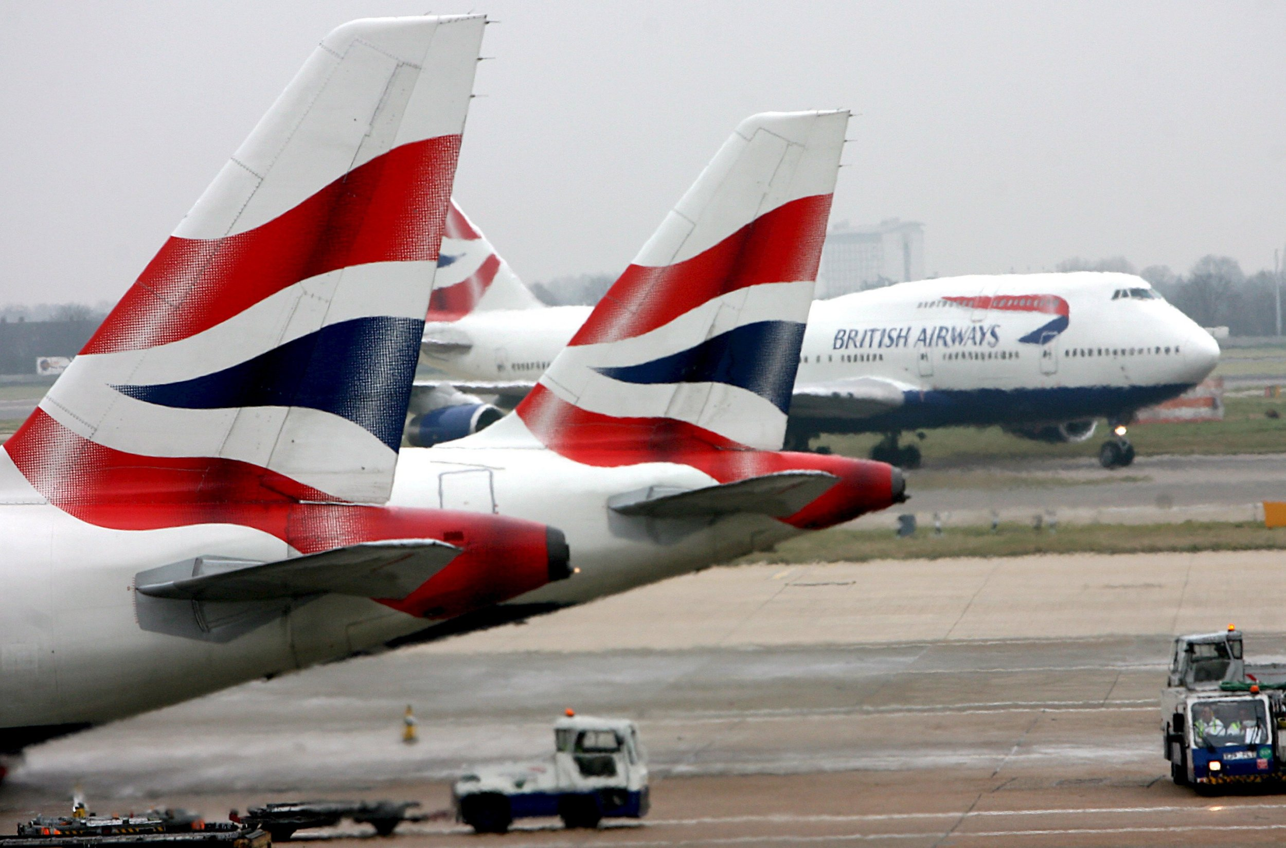 epa05810279 (FILE) - A file picture dated 16 December 2007 shows British Airways aircrafts at Heathrow Airport in London. International Airlines Group (IAG), Europe's second largest air carrier and owner of Aer Lingus, British Airways, Iberia and Vueling, will publish their earnings report on 24 February 2017. EPA/ANDY RAIN