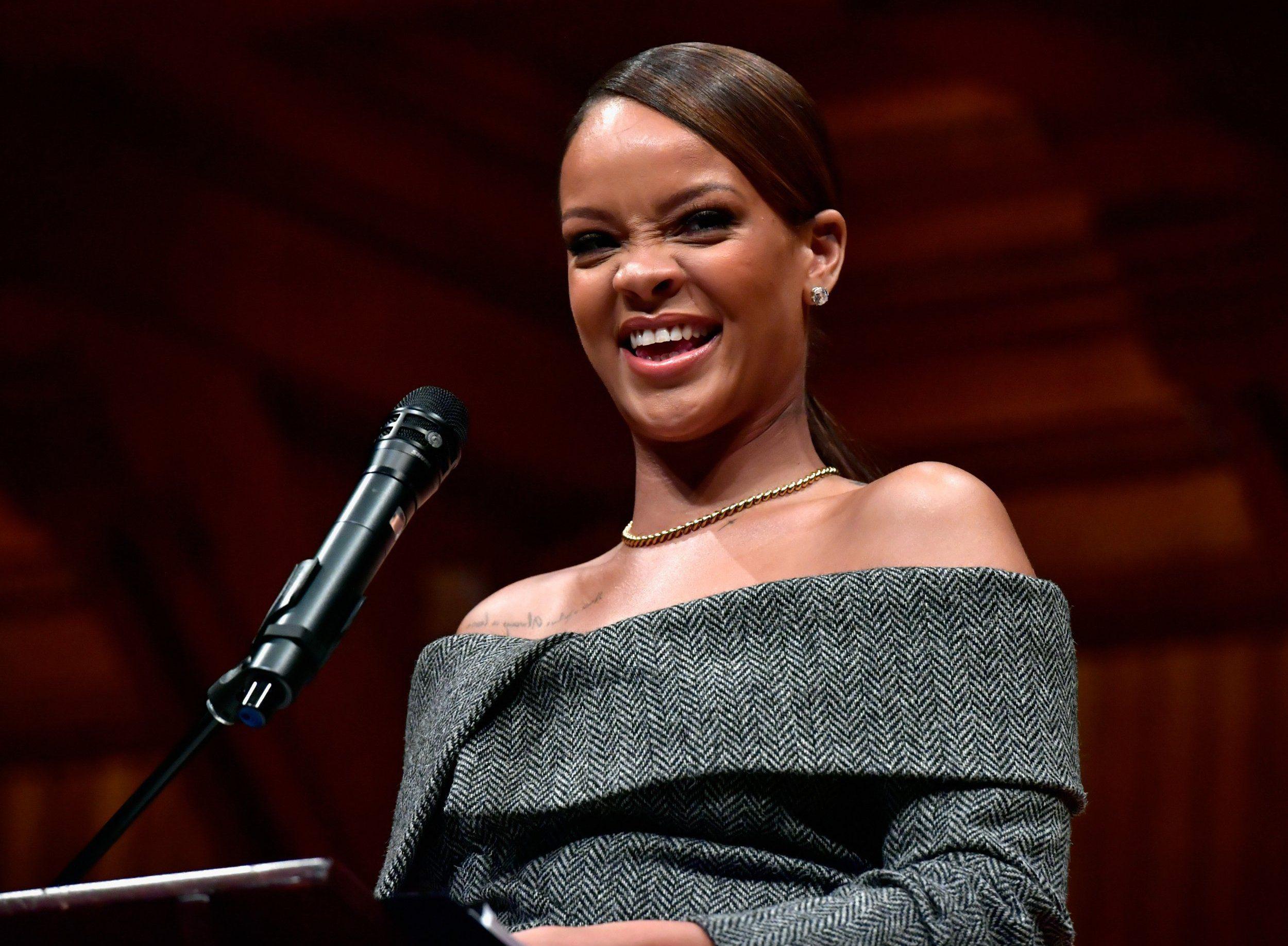 CAMBRIDGE, MA - FEBRUARY 28: Rihanna receives the 2017 Harvard University Humanitarian of the Year Award at Harvard University's Sanders Theatre on February 28, 2017 in Cambridge, Massachusetts. (Photo by Paul Marotta/Getty Images)