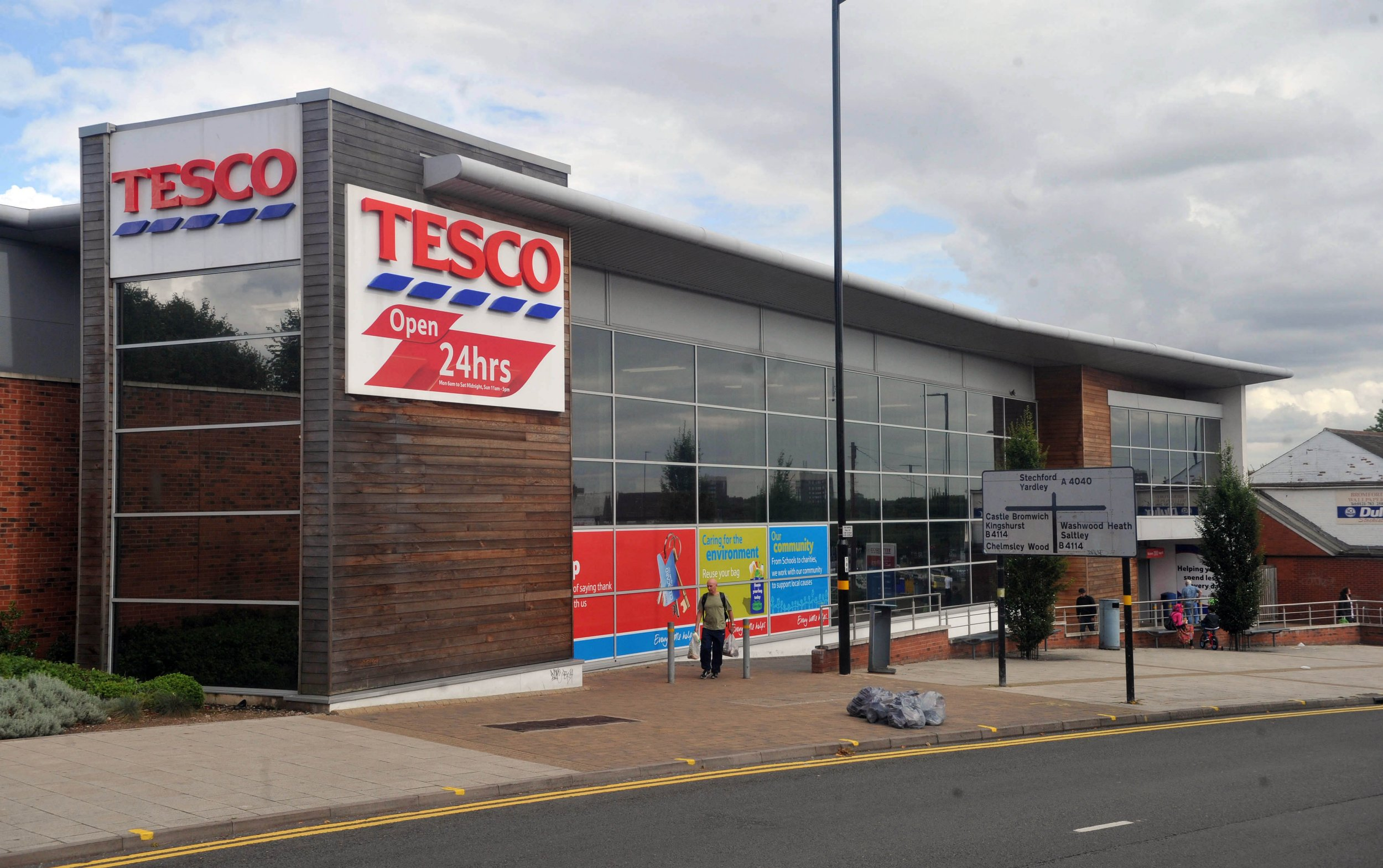 Man dies in Tesco toilets