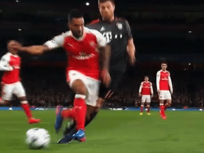 Arsenal legend Martin Keown slams official for Theo Walcott not getting penalty v Bayern Munich