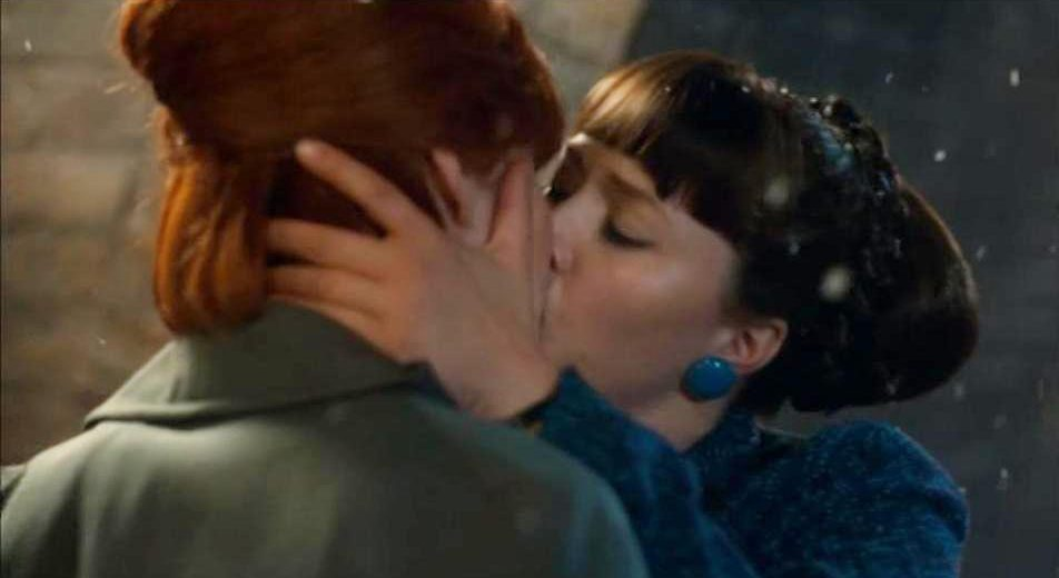 Call The Midwife Showed Two Gay Characters Having A Kiss During The Series Finale Picture Bbc