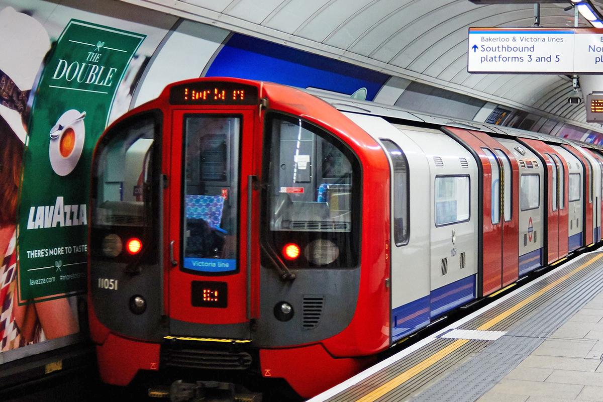 Easter 2017 train times: All you need to know for tube, ferry, taxi and bus