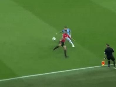 Manchester United's Marcus Rashford produces brilliant flick over Nicolas Otamendi