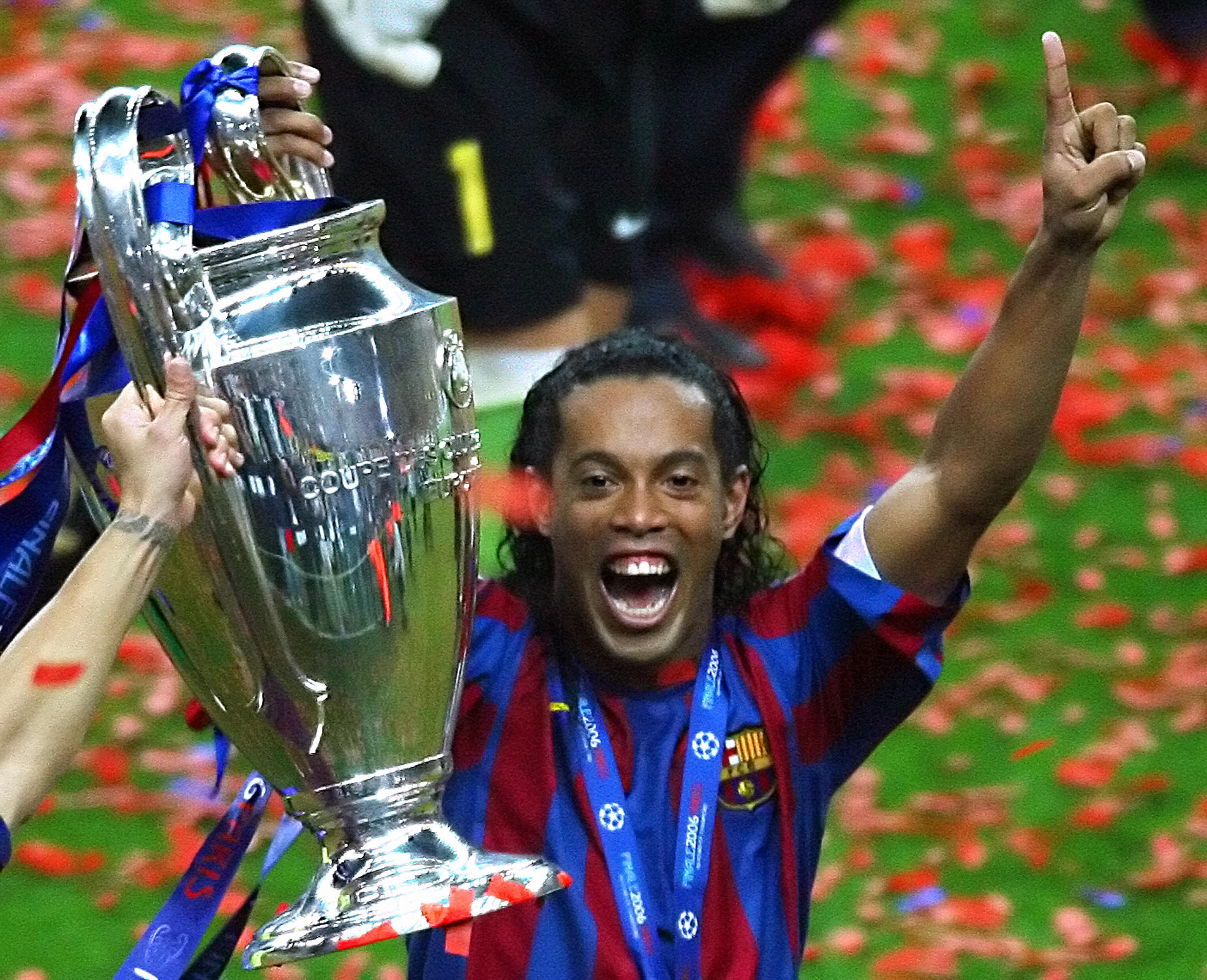 Barcelona went easy on Arsenal in 2006 Champions League final, says Ronaldinho