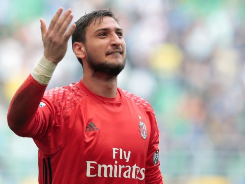 Gianluigi Donnarumma informs friends he is moving to England amid Manchester United transfer rumours