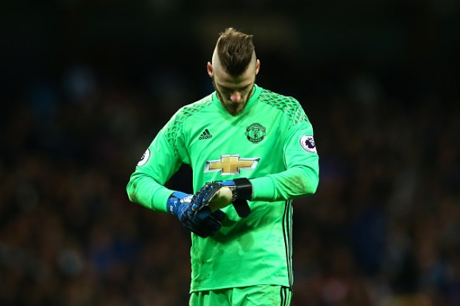wholesale dealer 802c4 5059b Man Utd transfer news: David De Gea tells Jose Mourinho he ...