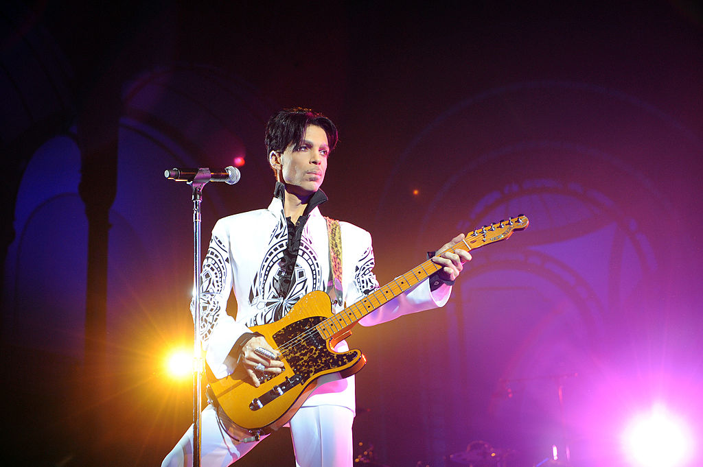 Prince's family files lawsuit against hospital that treated first overdose, two years after late singer died