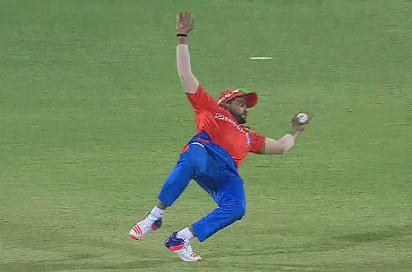 India star Suresh Raina produces wonder catch for Gujarat Lions in IPL clash