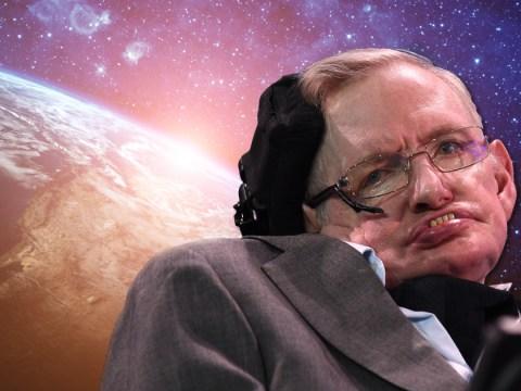 How does Stephen Hawking speak and write?