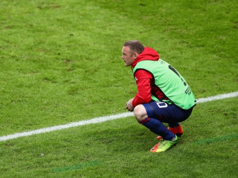 Wayne Rooney increasingly likely to stay at Manchester United this summer