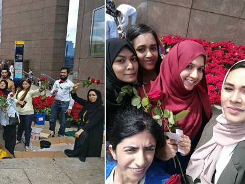 British Muslims handed out 3000 red roses on London Bridge