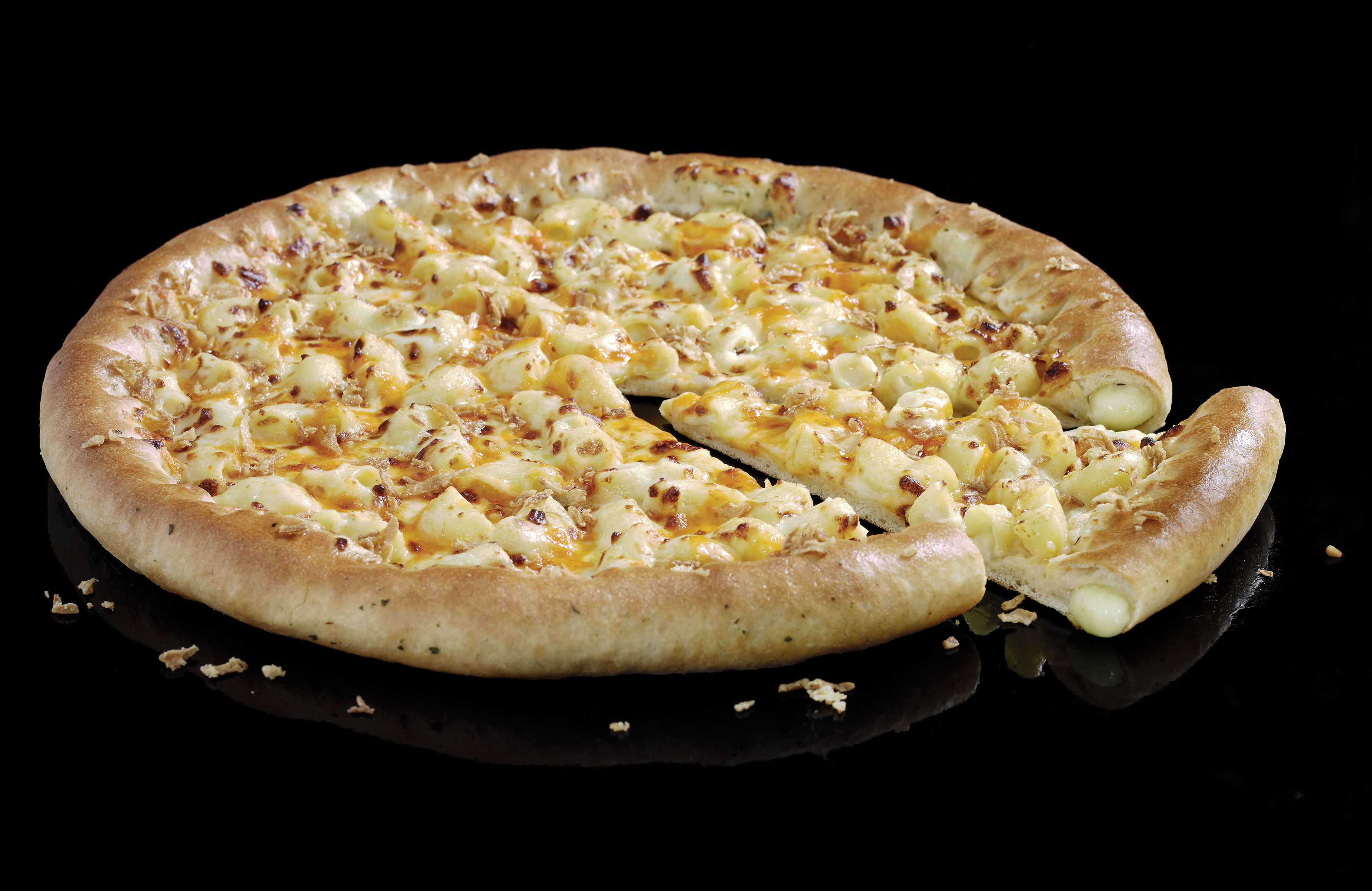 Mac 'n' cheese pizza is finally a reality