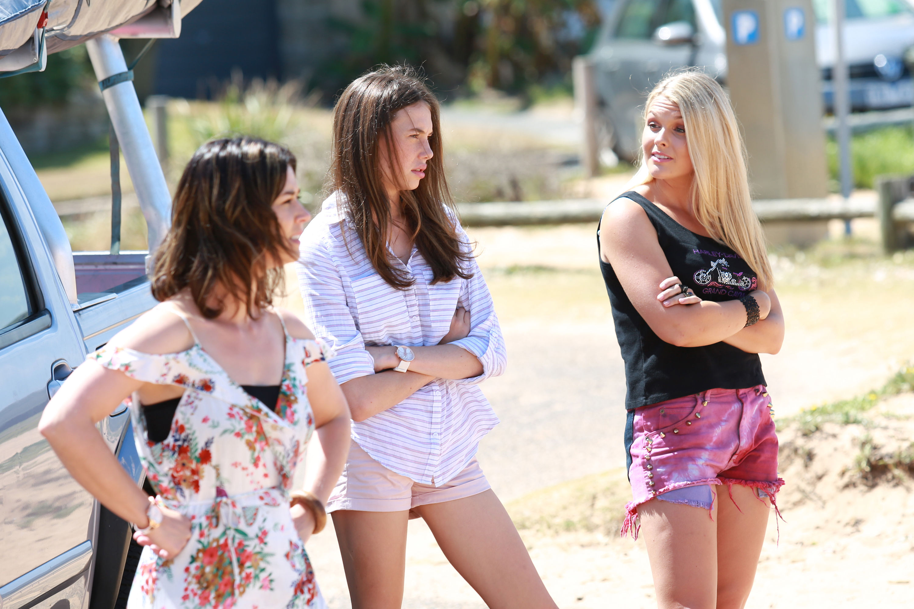 Home and Away spoilers: The Astonis turn up in the Bay