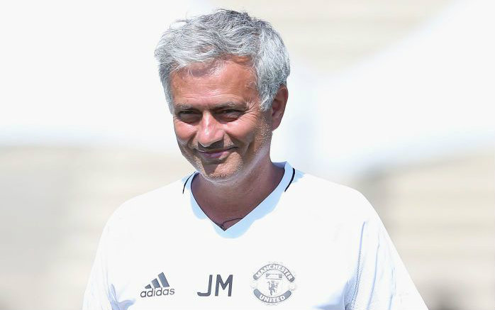 Manchester United make contact with Serge Aurier over summer transfer