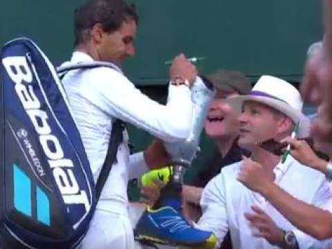 Wimbledon 2017: Man takes off his own leg for Rafael Nadal to sign