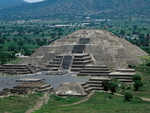 Mysterious hidden tunnel discovered under Mexican pyramid