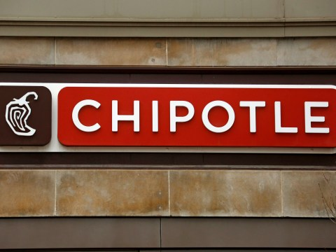 Chipotle closes restaurant after reports of vomiting and diarrhea illness outbreak