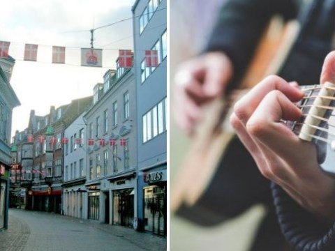 Police sent rubbish busker home to practice his Wonderwall cover